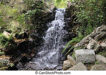 řeka, vodopád