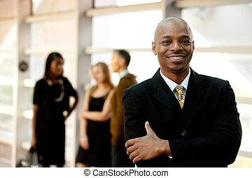 Šťastný černý obchodník