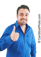 Šťastný mladý muž, který se tváří v tvář a usmívá se na bílém pozadí