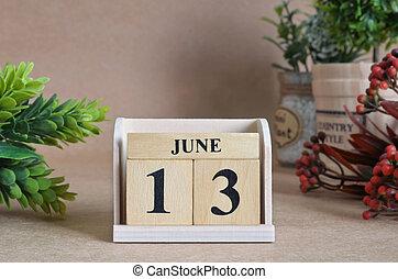 13.června, přirozený kalendář.