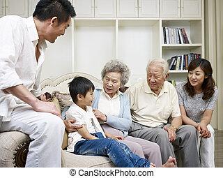 Asiatská rodina
