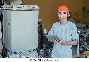 asijský, nerovný, usmíva se, čas, kamera, jeho, opravář, tabulka pc, dokola, pouití, elektronika