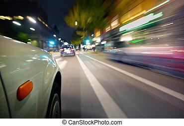 Auto v pohybu