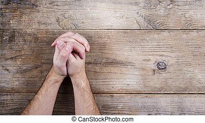 Bible a modlitební ruce
