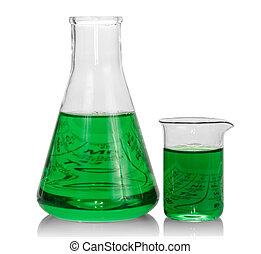 Chemické flašky s zelenou kapalkou
