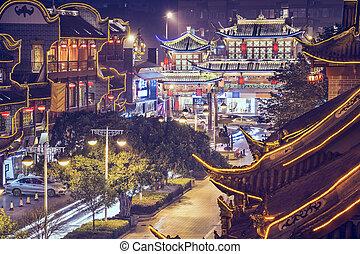 Chengdu, brada na ulici Qintai.