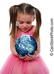 Dívka držící zemi