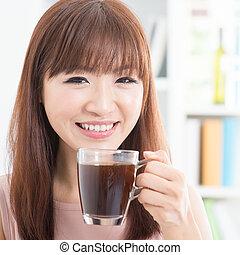 děvče, udělat si rád, zrnková káva, asijský