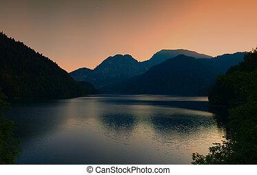 hory, silhouettes, západ slunce, jezero, hora