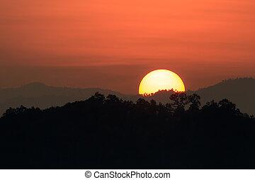 hory, silueta, západ slunce