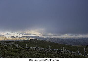 hory, západ slunce, mračný