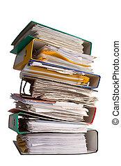 Hromada spisu s papírama