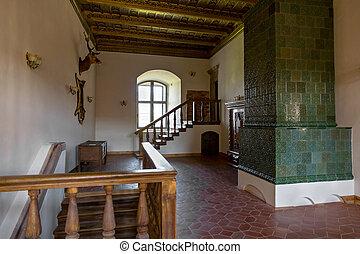 Interiér středověkého zámku v Müru.