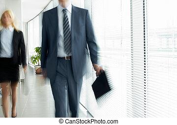 Jdu do kanceláře