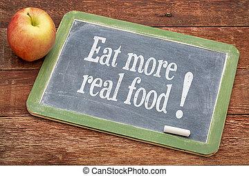 Jezte víc jídla