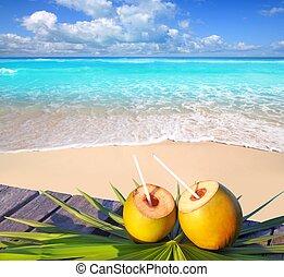 Karibské plážové koktejly