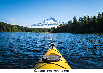 Kayak v jezeře, pane. Hood, Oregon