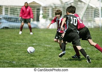 Kluci hrají fotbal