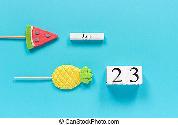 konzervativní, dary, nebo, byt, léto, tvořivý, pojem, tvrdý bonbón, vodní meloun, datovat, dřevěný, prázdniny, bonbón, kalendář, ananas, 23rd, hlava, červen, šablona, tyč, trojmocnina, prázdniny, názor, klást, grafické pozadí.