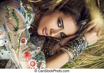 Krásná bohémská dívka