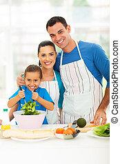Krásná rodinná kuchyně doma