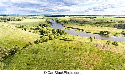 Krajská krajina s řekou