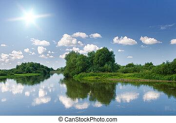 Letní řeka.
