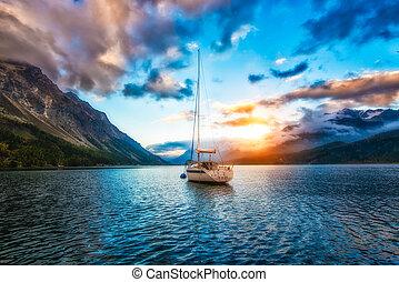 Loď v jezeře