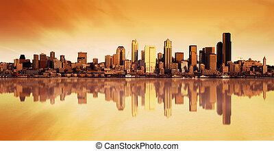 Městský pohled na východ slunce