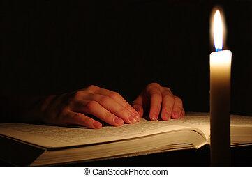 Modlí se za ruce