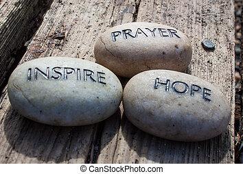 Modlitba, naděje, skály