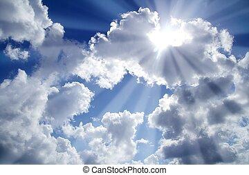 Modré nebe s bílými mraky