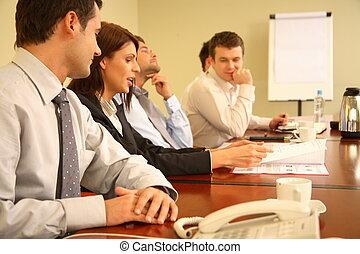 Obchodníci na neformální schůzce