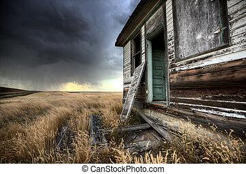 Opuštěná farma saskatchewanská Kanada