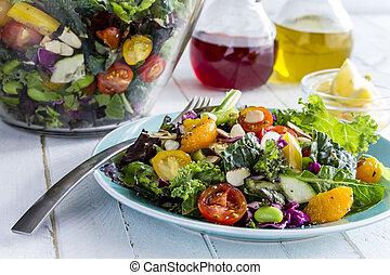 Organický super vegetariánský salát