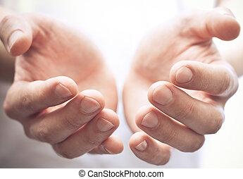 Otevřete ruce
