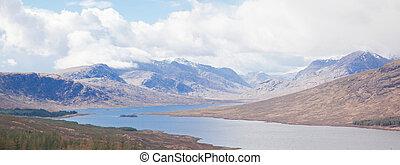 Panorama, sněhová horská svaha