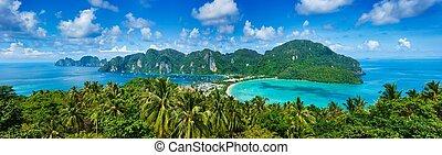 Panorama tropického ostrova