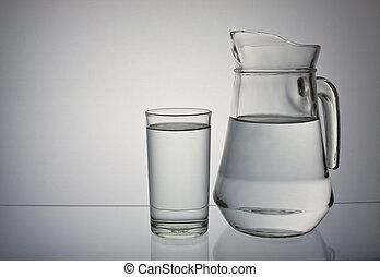 Pije vodu