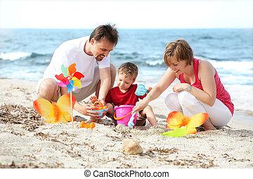 pláž, mláde rodinný, šťastný
