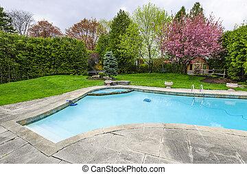 Plavoucí bazén za domem