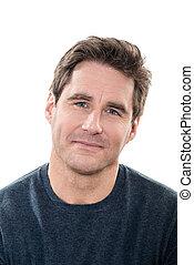 Pohledný muž, modrý oči, úsměvný portrét