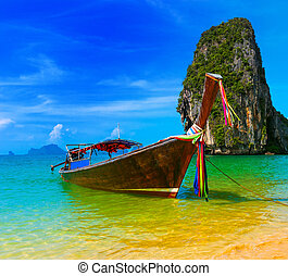 pohybovat se, druh, tradiční, vytáhnout loď na břeh uchýlit se, člun, thajsko, ráj, překrásný, dřevěný, ostrov, nebe, léto, obrazný, konzervativní, scenérie, krajina, namočit