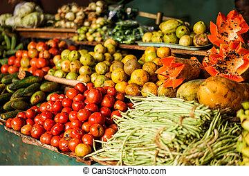 Potravinný trh se zeleninou a zeleninou
