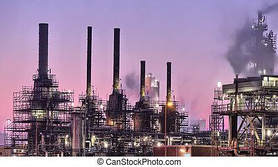 Průmyslová noční scéna