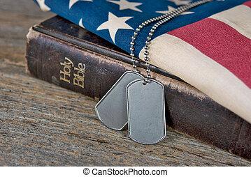 Psí známky na bibli a vlajce