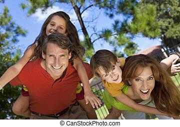 rodina, sad, mimo, žert, obout si, šťastný