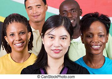 rozmanitost, národ
