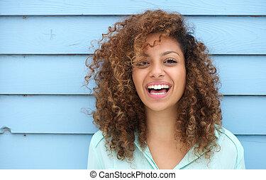 Roztomilá mladá africká žena