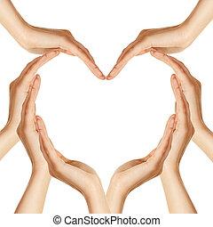 Ruce tvoří srdce